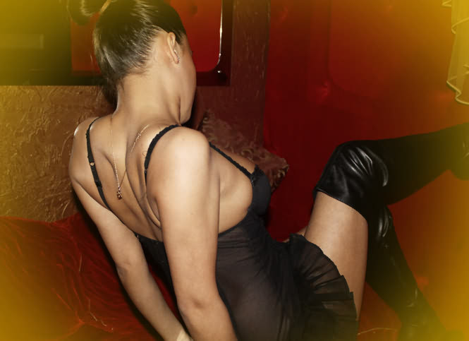 play-girls-eroticheskiy-salon